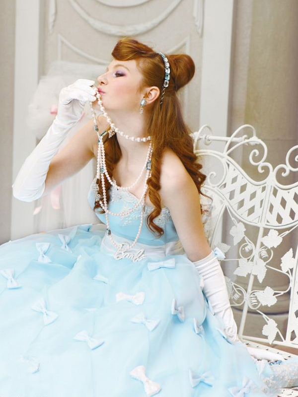 Colorful-Wedding-Dresses-2010-of-Barbie-Bridal-1a