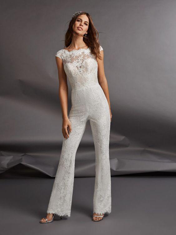 broek in plaats van een trouwjurk met jumpsuit