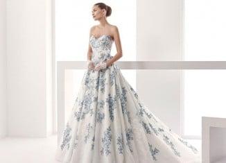 gekleurde trouwjurk Pronovias