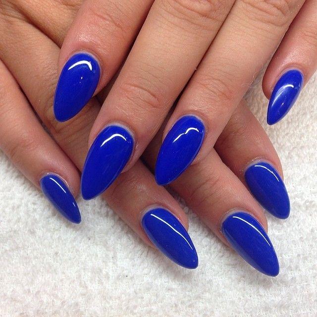 kobalt blauwe nagels
