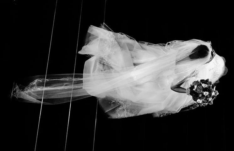 trouwfoto met sluier