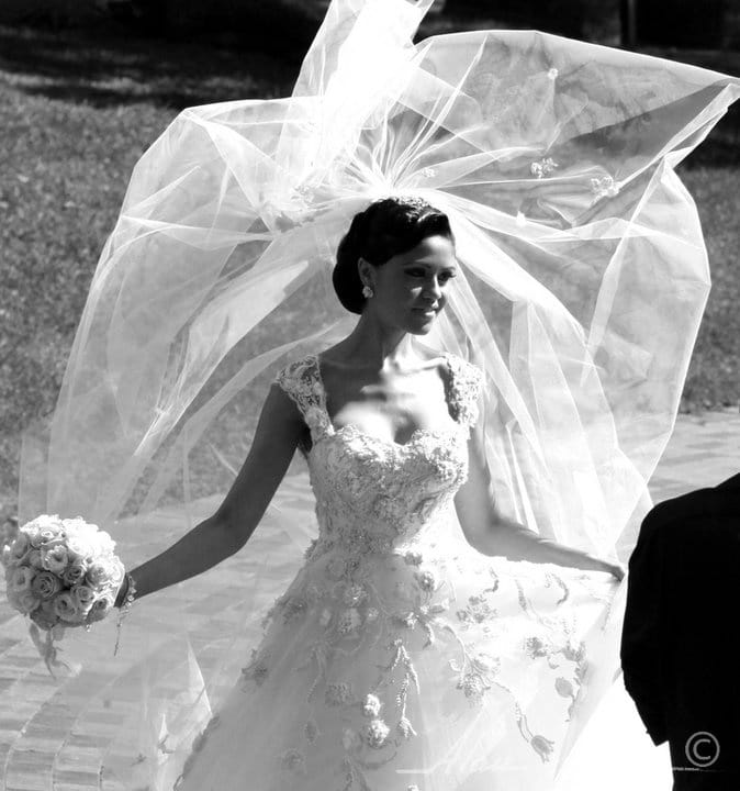 trouwfoto met bruidssluier