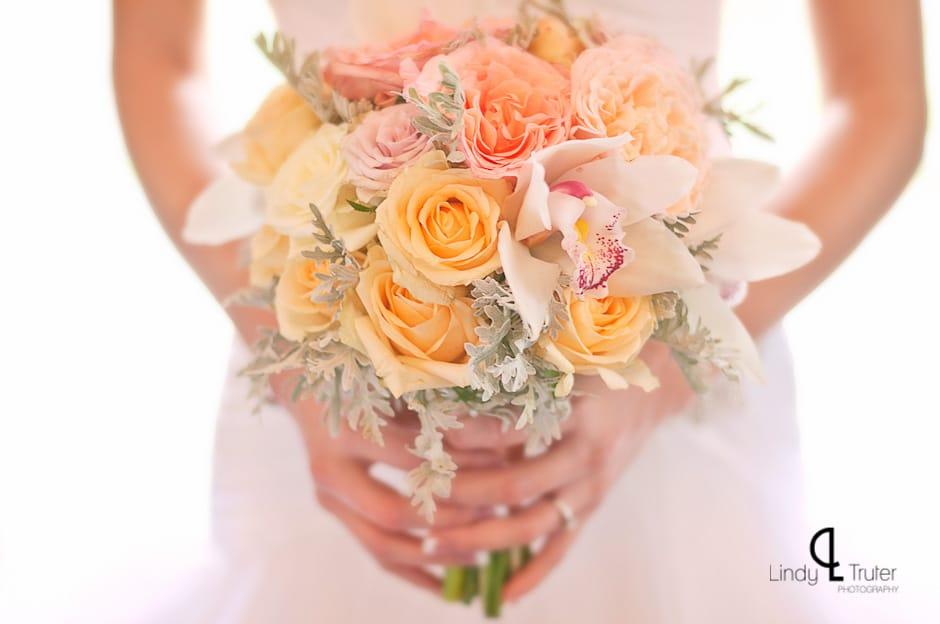 pastelkleurige bloemen voor je bruiloft
