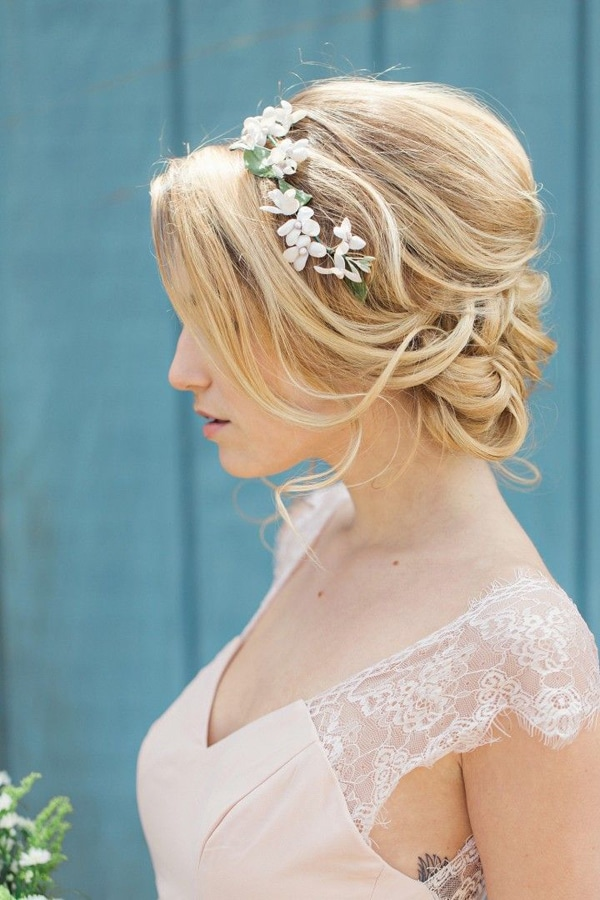 floral-hairband-wedidng-updo