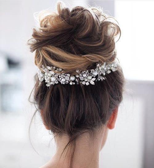los opgestoken bruidskapsels met haarkam