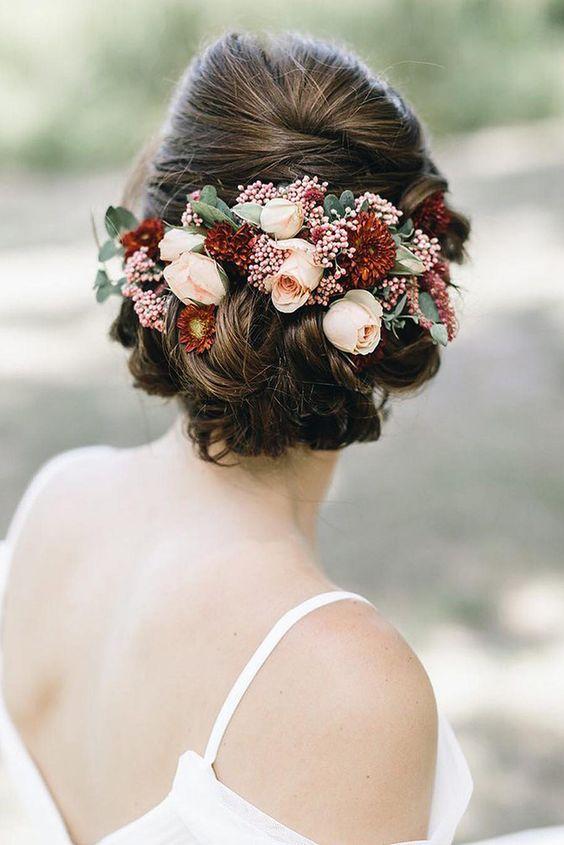 echte bloemen bruidskapsels