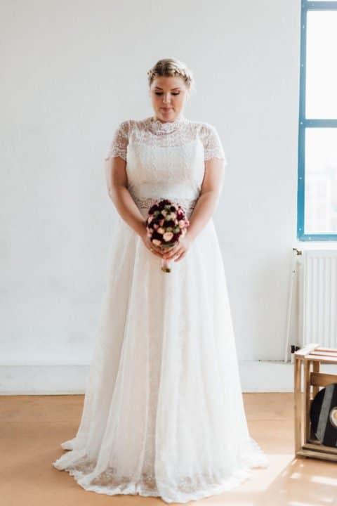 brautkleider-grosse-groessen-sue-2-480x720 - In White