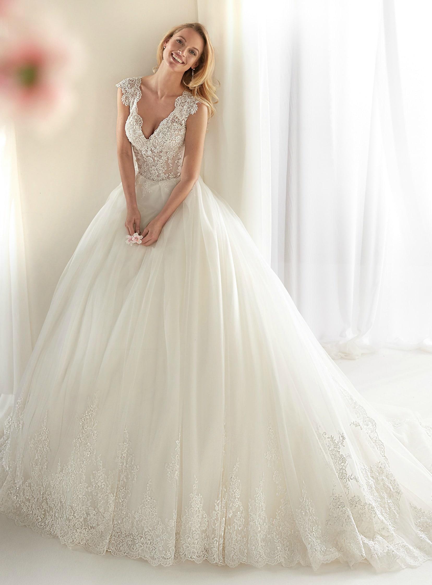 c06036ede221 nicole-spose-NIAB19061-Nicole-moda-sposa-2019-215 - In White