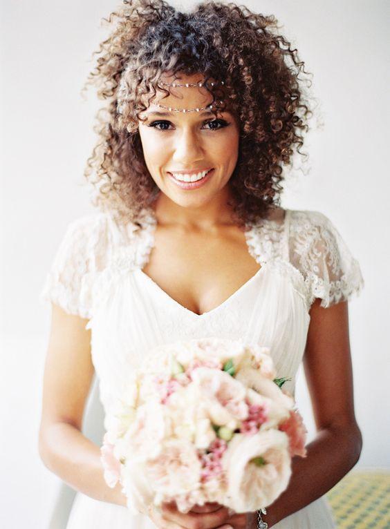 bruidskapsel voor donker haar