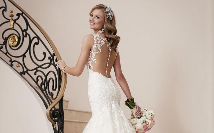 Bruidslingerie Voor Trouwjurk Met Een Lage Rug In White