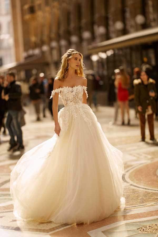 prinsessen trouwjurken met off-the-shoulder halslijn Berta Bridal
